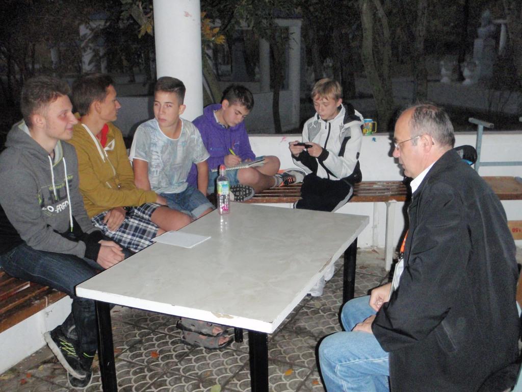 Виктор Тимохов преподает в Анапе для детей