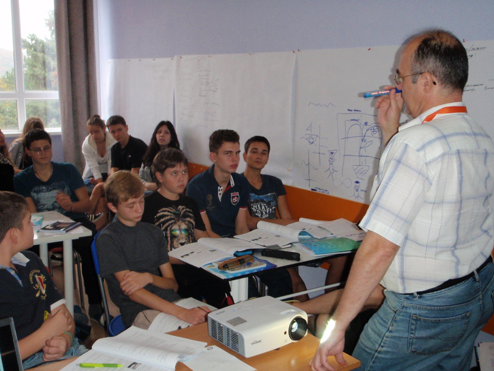 Виктор Тимохов преподает в Анапе в Я изобретатель